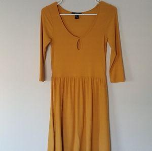 Forever 21 Yellow Keyhole Dress Size M